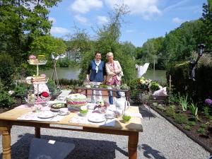 Dreh für grünzeug unterwegs, Andrea Müller und Floristin Regina Kirchmann auf der Gartenschau in Sigmaringen Juni 2013