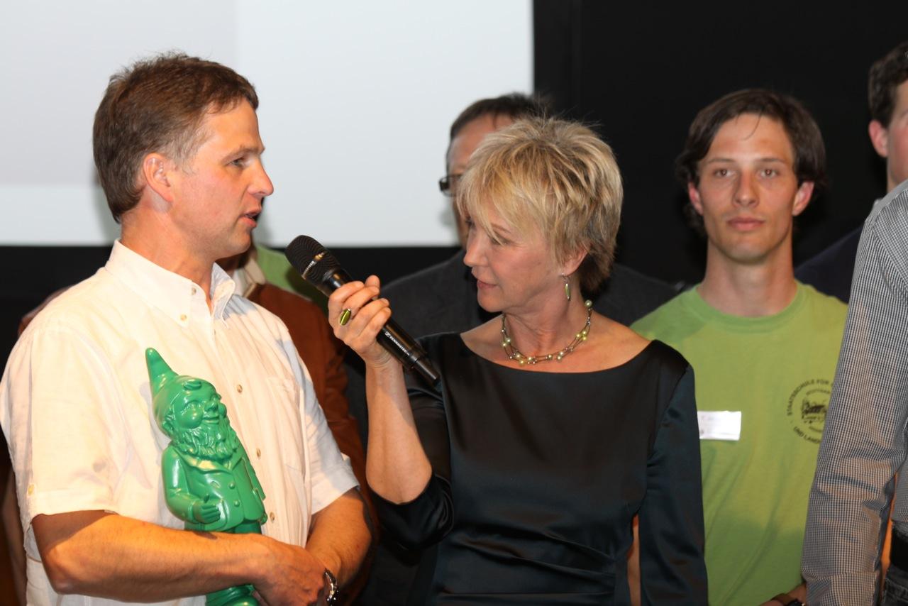 Moderation Andrea Mueller bei der Gartenpreisverleihung 2014 auf der Gartenmesse Stuttgart im April 2014