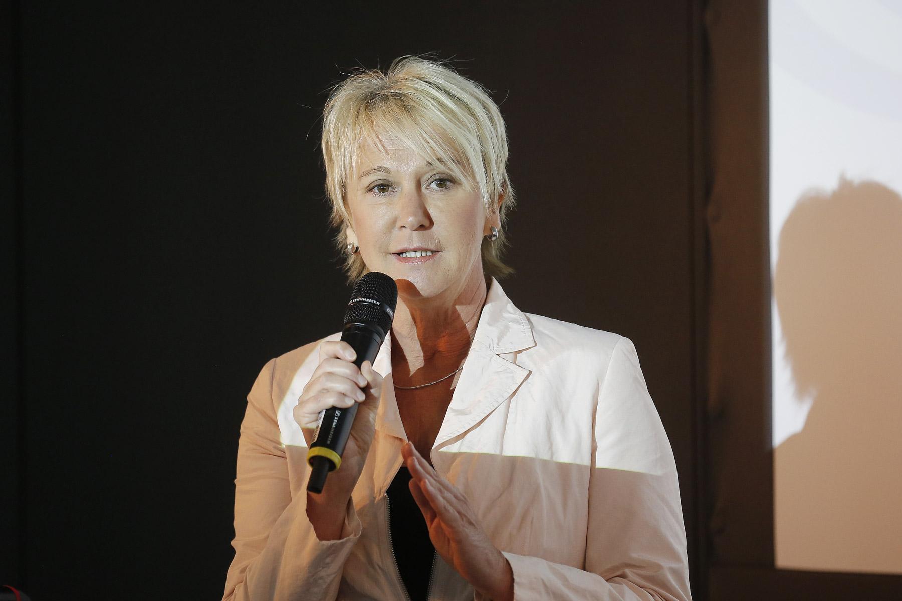 Andrea Mueller Moderation zur Eröffnung ´Interbad 2014´, Messe Stuttgart im Oktober 2014