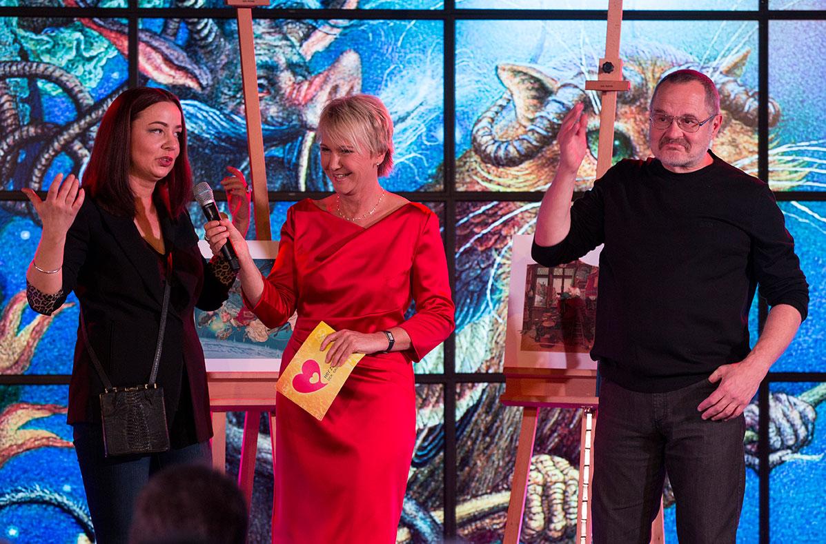 Andrea Mueller Moderation der Herzenssache-Vernissage des Künstlerehepaares Olga Dugina und Andrej Dugin, Sparda-Bank Dezember 2014