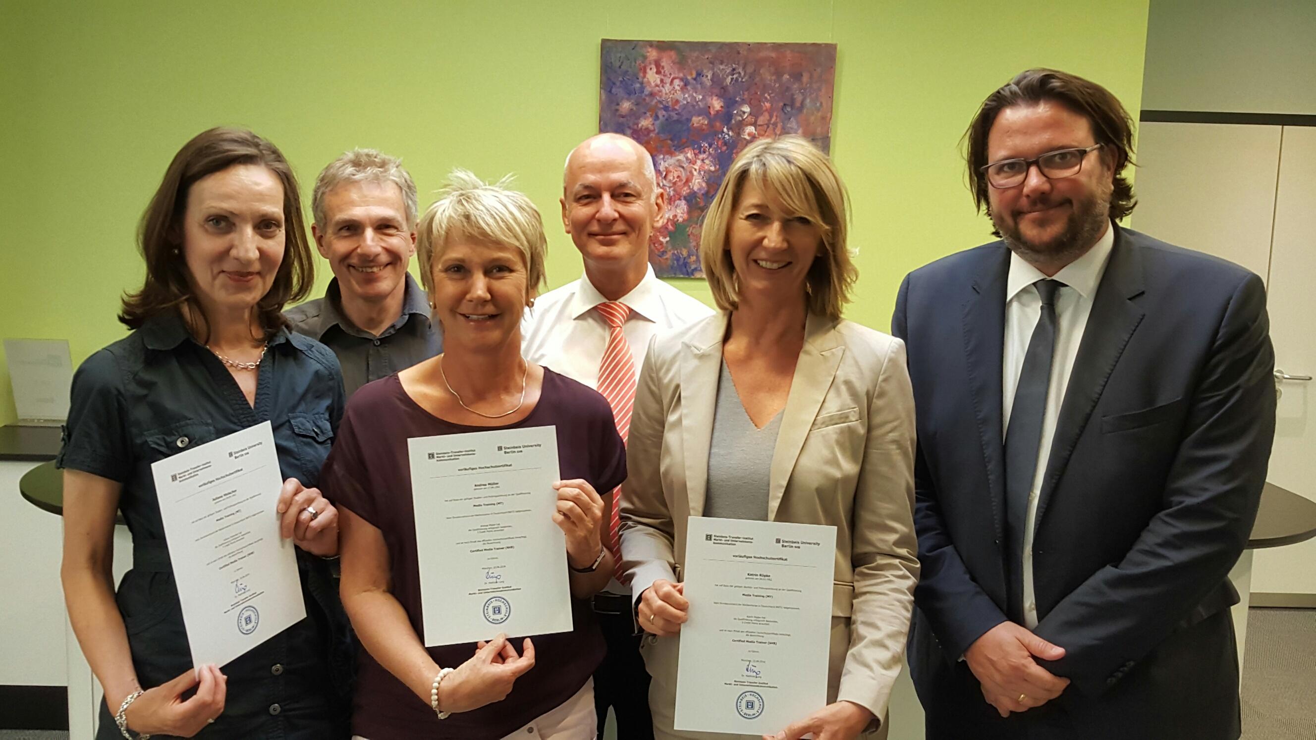 Erfolgreicher Abschluß: Andrea Müller ist eine von nur 9 zertifizierten Medientrainerinnen (nach Steinbeis Hochschule Berlin) in ganz Deutschland, Juni 2016