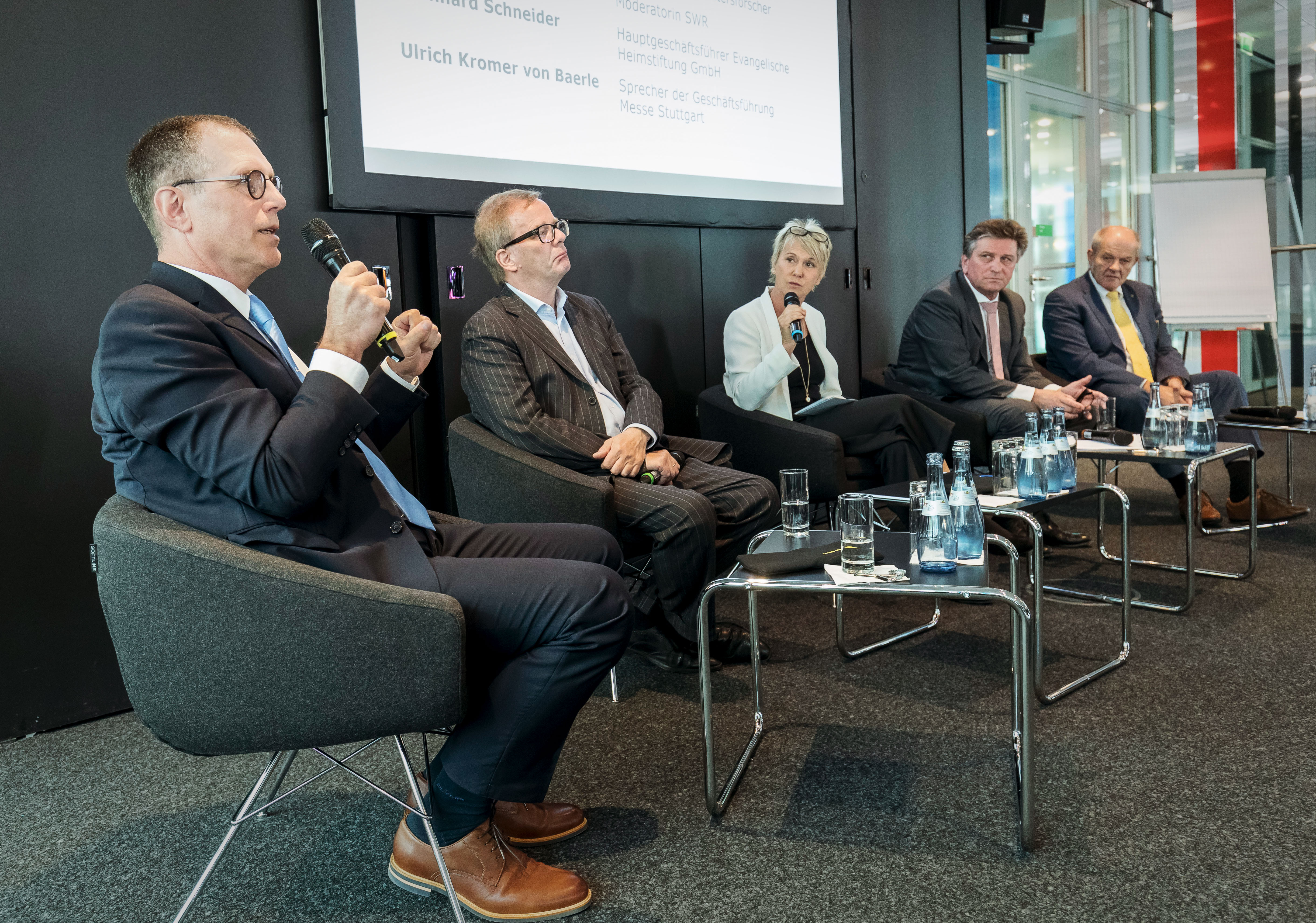 """Moderation des Pressetalks zur Eröffnung der """"PFLEGE PLUS"""", Messe Stuttgart, Mai 2018"""