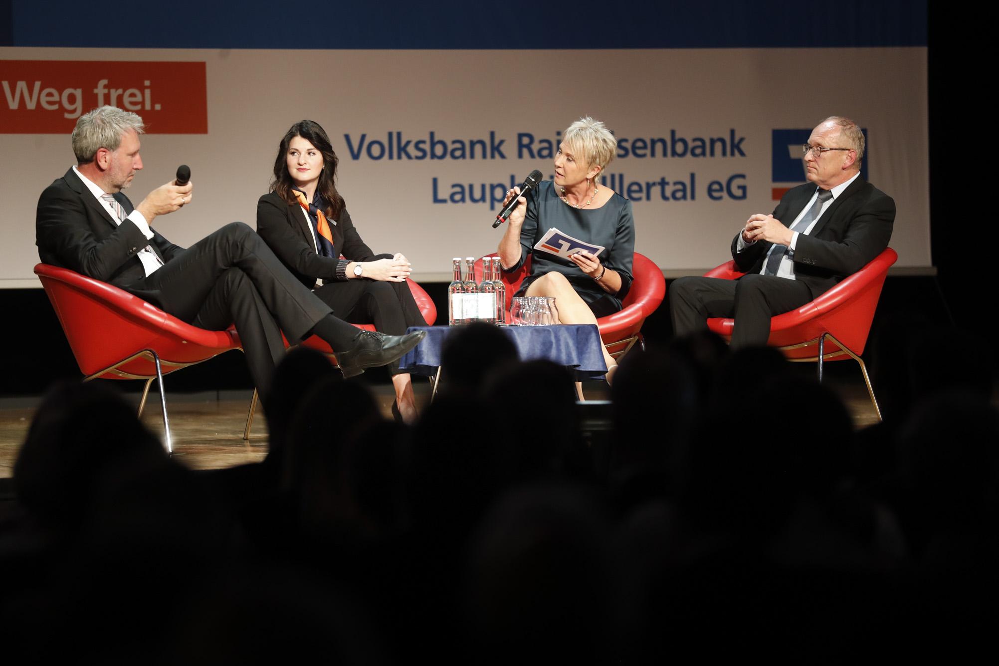 "Moderation der Jubiläums-Gala ""150 Jahre Volksbank-Raiffeisenbank Laupheim-Illertal"" im Kulturhaus Laupheim, Juni 2018"